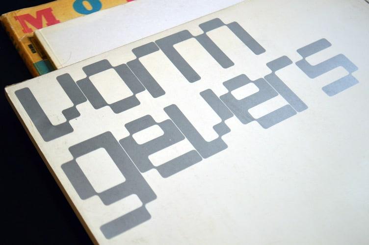 Wim Crouwel's 'Stedelijk Museum Amsterdam – vorm gevers', catalogue from 1968 in detail.