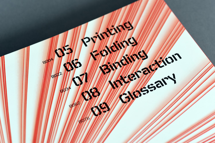 Experimental Formats.2 – Books, Brochures, Catalogs, © RotoVision. Design by Struktur Design using Foundry Fabriek.