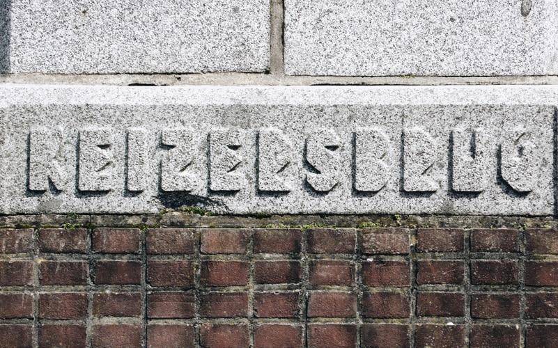 The 'Amsterdamse Brugletter'